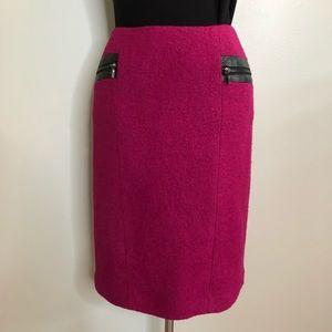 Zelda Size 6 Magenta Pencil Skirt